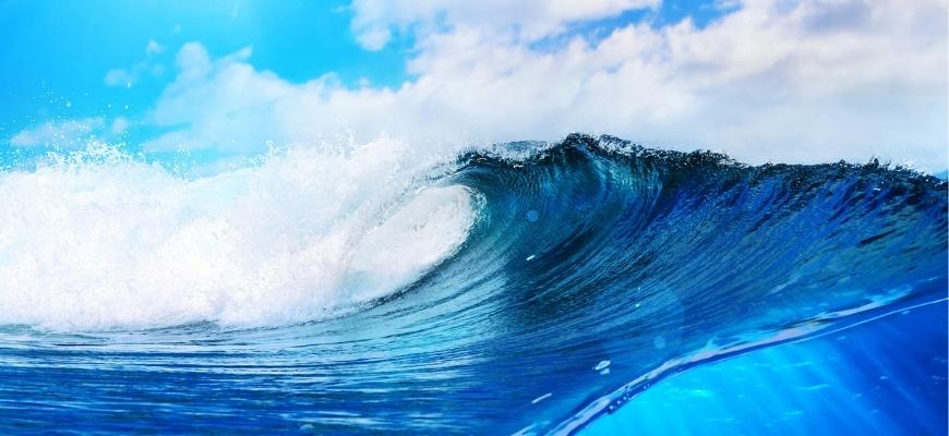 Blue ocean's wave